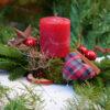 Weihnachtsgesteck mit Kerze